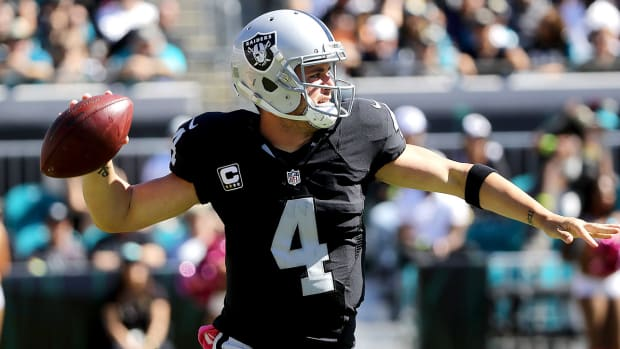 derek-carr-oakland-raiders-nfl-week-9-odds.jpg