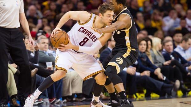 Cavs' Matthew Dellavedova voted dirtiest player in coach/player poll--IMAGE