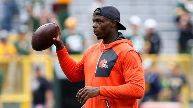 Arrest warrant issued for Josh Gordon in paternity case - IMAGE
