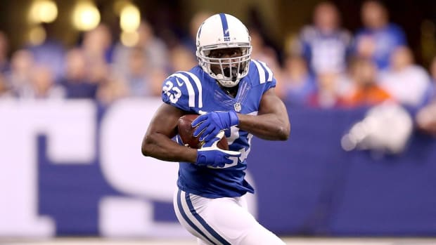 Frank Gore passes Jim Brown on NFL career rushing list--IMAGE
