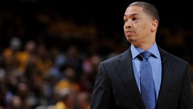 tyron-lue-cavaliers-playoffs-charles-barkley.jpg