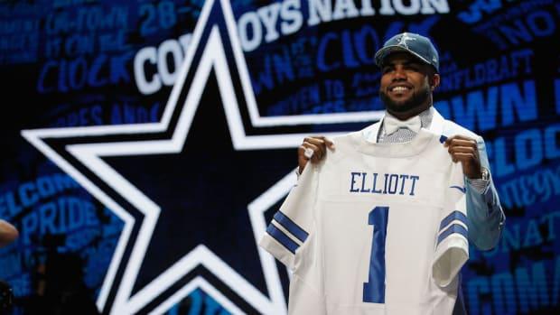 ezekiel-elliott-dallas-cowboys-best-selling-jersey.jpg