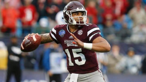 Cowboys draft Mississippi St. QB Dak Prescott - IMAGE