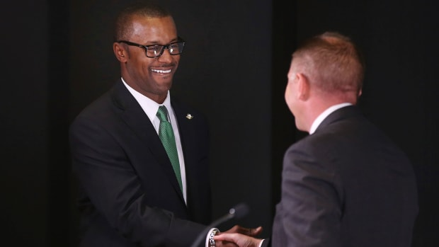 willie-taggart-oregon-introduction.jpg