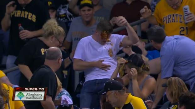 fan-nachos-foul-ball-pirates.png