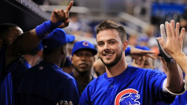 chicago-cubs-kris-bryant-fan-sticker-reaction-video.jpg