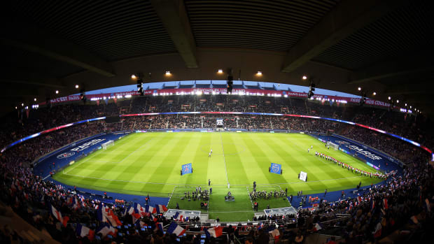 taunted-fan-invited-to-psg-match.jpg