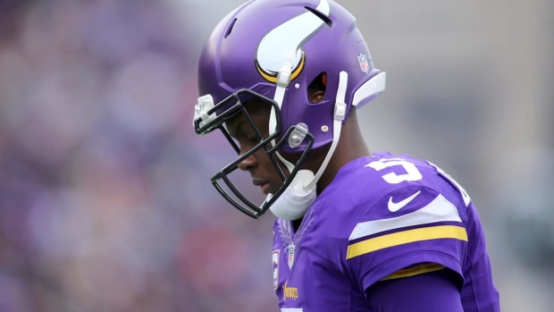 Teddy Bridgewater suffers complete ACL tear in practice - IMAGE