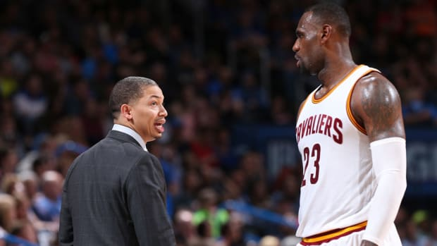 lebron-james-cavaliers-general-manager-tyronn-lue-meeting.jpg