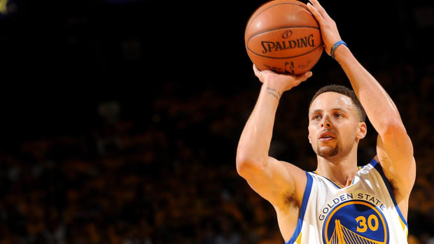 Steph Curry expects to return for Game 4 -- IMAGE