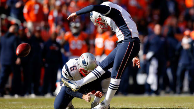 patriots-broncos-stephen-gostkowski-missed-extra-point.jpg
