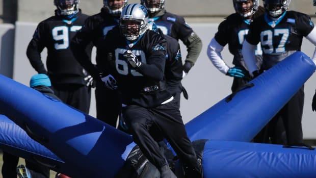 Panthers DE Jared Allen (broken foot) returns to practice IMAGE