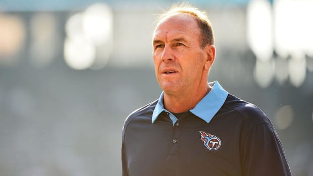 The MMQB Mailbag: Should Titans trade No. 1 pick? IMAGE