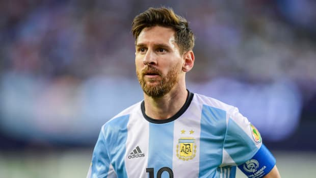 lionel-messi-breaks-argentina-goal-record-video.jpg