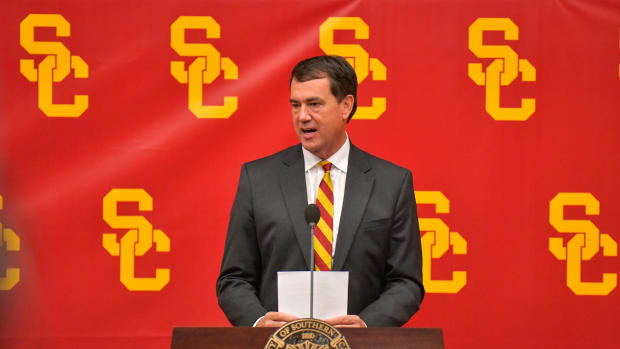 110719-USC-AD-MIKE-BOHN-INTRODUCTION-MCGILLEN_MCG8484
