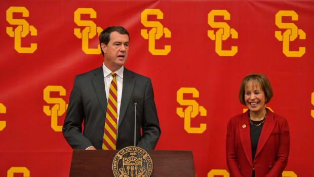 110719-USC-AD-MIKE-BOHN-INTRODUCTION-MCGILLEN_MCG8626 (1)
