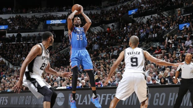 Report: Spurs could pursue Kevin Durant in free agency -- IMAGE