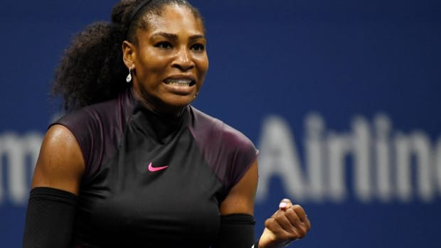 Serena Williams ties Grand Slam match wins record - IMAGE