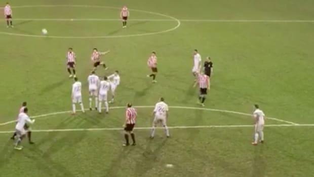 funny-free-kick-soccer.png