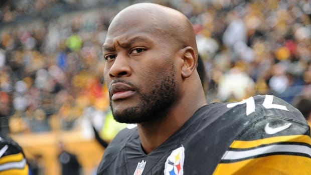 James Harrison calls Roger Goodell 'crook' - IMAGE