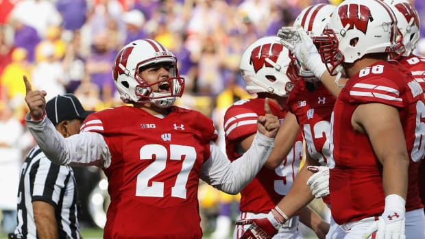 No. 5 LSU's offense sputters, Wisconsin scores the upset IMAGE