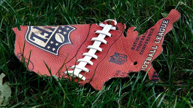 football-in-america-2016-election.jpg