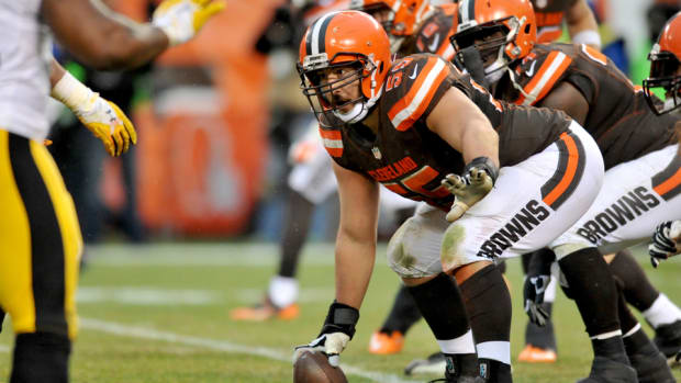 alex-mack-browns-contract.jpg