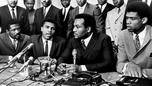 Kareem Abdul-Jabbar, Jim Brown, Bill Russell win SI Muhammad Ali Legacy Award - IMAGE