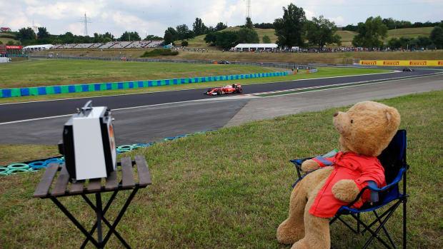 2016-0722-teddy-bear-Kimi-Raikkonen.jpg