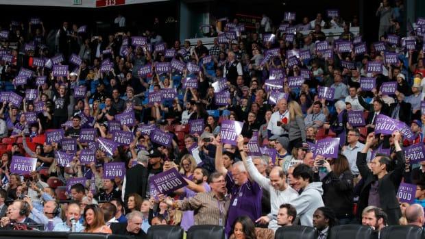 kings-fan-half-court-shot.jpg