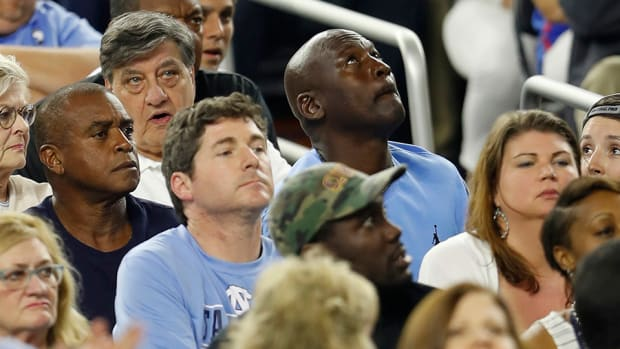 michael-jordan-kris-jenkins-villanova-unc-shot-reaction-video.jpg