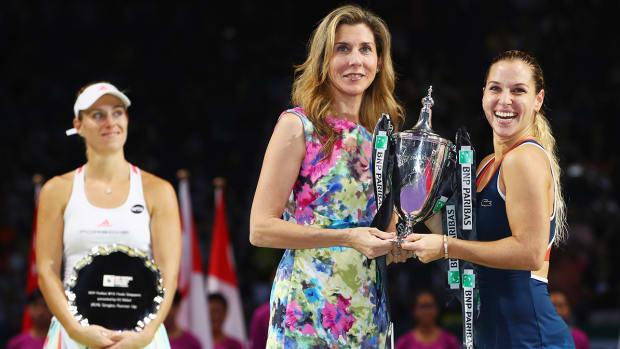dominika-cibulkova-angelique-kerber-wta-finals.jpg