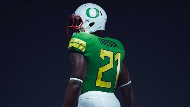 oregon-ducks-uniforms-nike-colorado.jpg