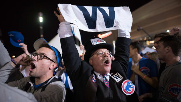 chicago-cubs-win-world-series-police-scanner.jpg