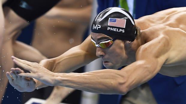 michael-phelps-usa-relay-medal.jpg