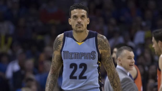 NBA fines Grizzlies' Matt Barnes $35,000 for 'condoning violence'--IMAGE