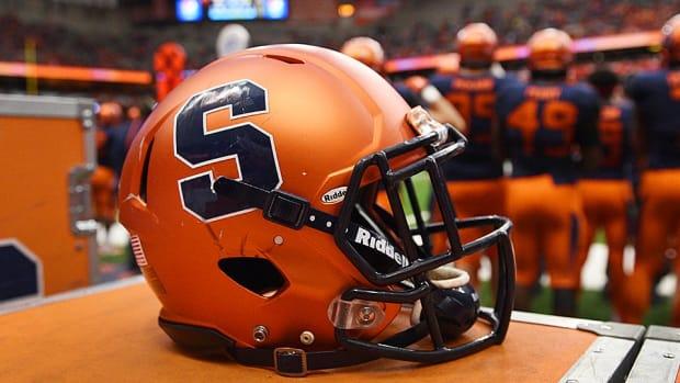 syracuse-football-helmet-960.jpg