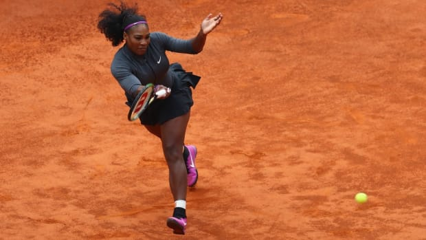 serena-williams-french-open-tennis-trick-shot-video.jpg