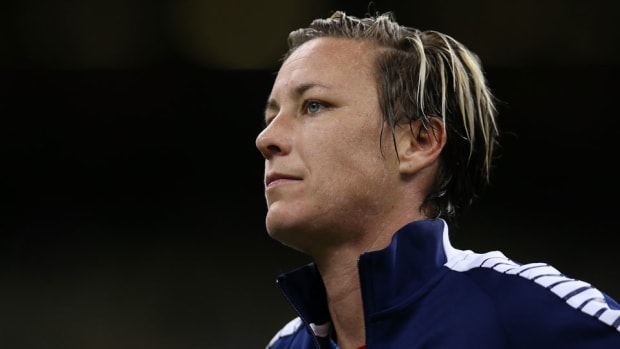 abby-wambach-duii-press-conference.jpg