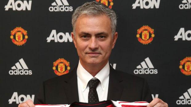 jose-mourinho-hired-manchester-united.jpg