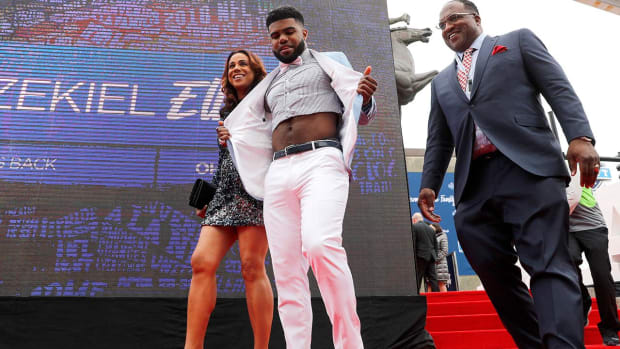 Draftees bring style to 2016 NFL Draft -- IMAGE