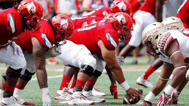 Revamped Louisville offensive line ready to erase painful memories against Clemson