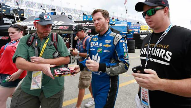 Dale-Earnhardt-Jr.-fans-Matt-Sullivan.jpg