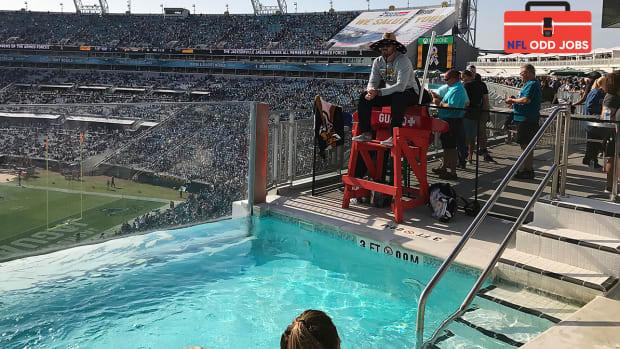 nfl-odd-jobs-jacksonville-jaguars-lifeguards-pools.jpg