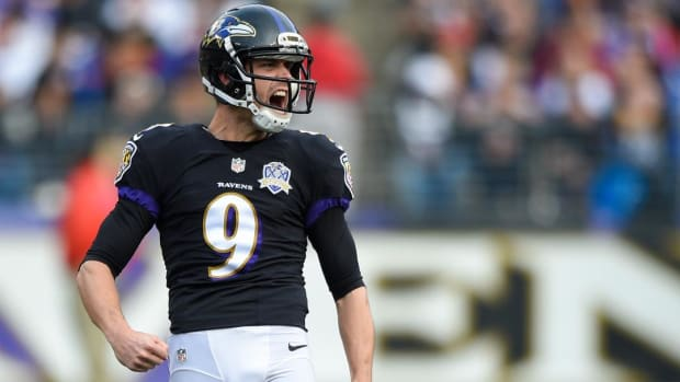 Ravens' Justin Tucker hits a 69-yard field goal at training camp --IMAGE