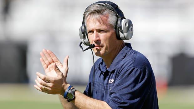 tj-weist-south-florida-wide-receivers-coach-michigan.jpg