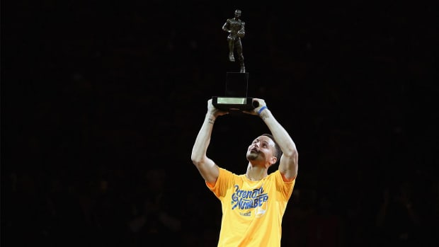 Stephen Curry picked by just 10% of NBA GMs to win MVP - IMAGE