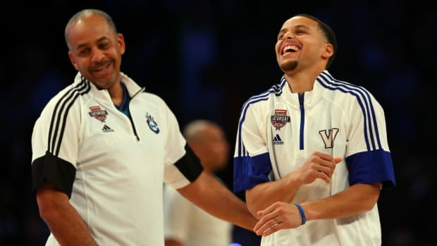 golden-state-warriors-stephen-curry-del-curry-scare-video.jpg