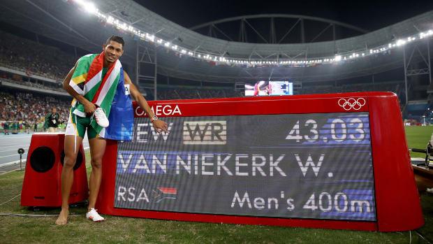 wayde-van-niekerk-record-400m-michael-johnson.jpg