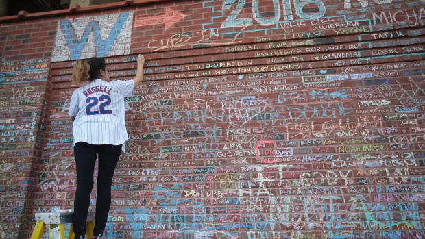cubs-world-series-messages-wall-removed.jpg